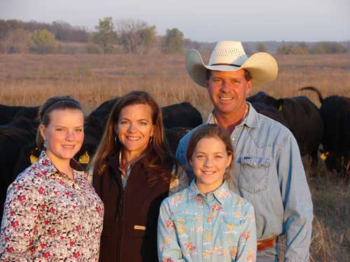 Barb-Downey-and-husband-Joe-Carpenter-and-their-daughters-Anna-and-Laura.jpg