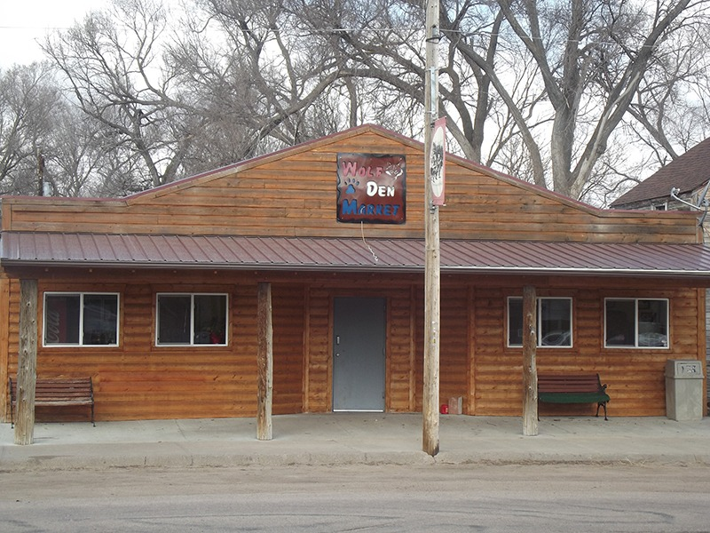 A 40-foot-by-60-foot metal building serves as Wolf Den Market serving Arthur, Nebraska, and ranchers in a 50 mile radius of the only town and county seat of Arthur County, Nebraska, the least populated county in the state. (Photo by Ron Jageler.)