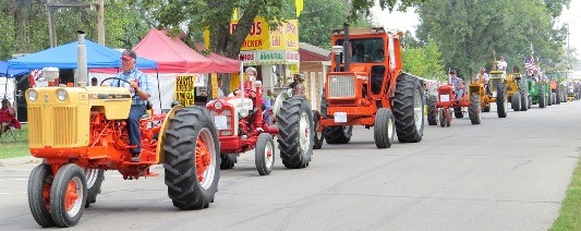 A Parade of Power will be a daily attraction for the Power of the Past Antique Engine And Tractor Show Friday, Saturday and Sunday, Sept. 11-12-13, at Forest Park, 302 North Locust, in Ottawa.