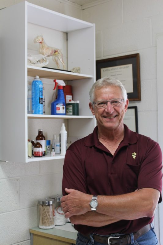 second-generation-veterinary-dr-tom-jernigan-at-council-grove